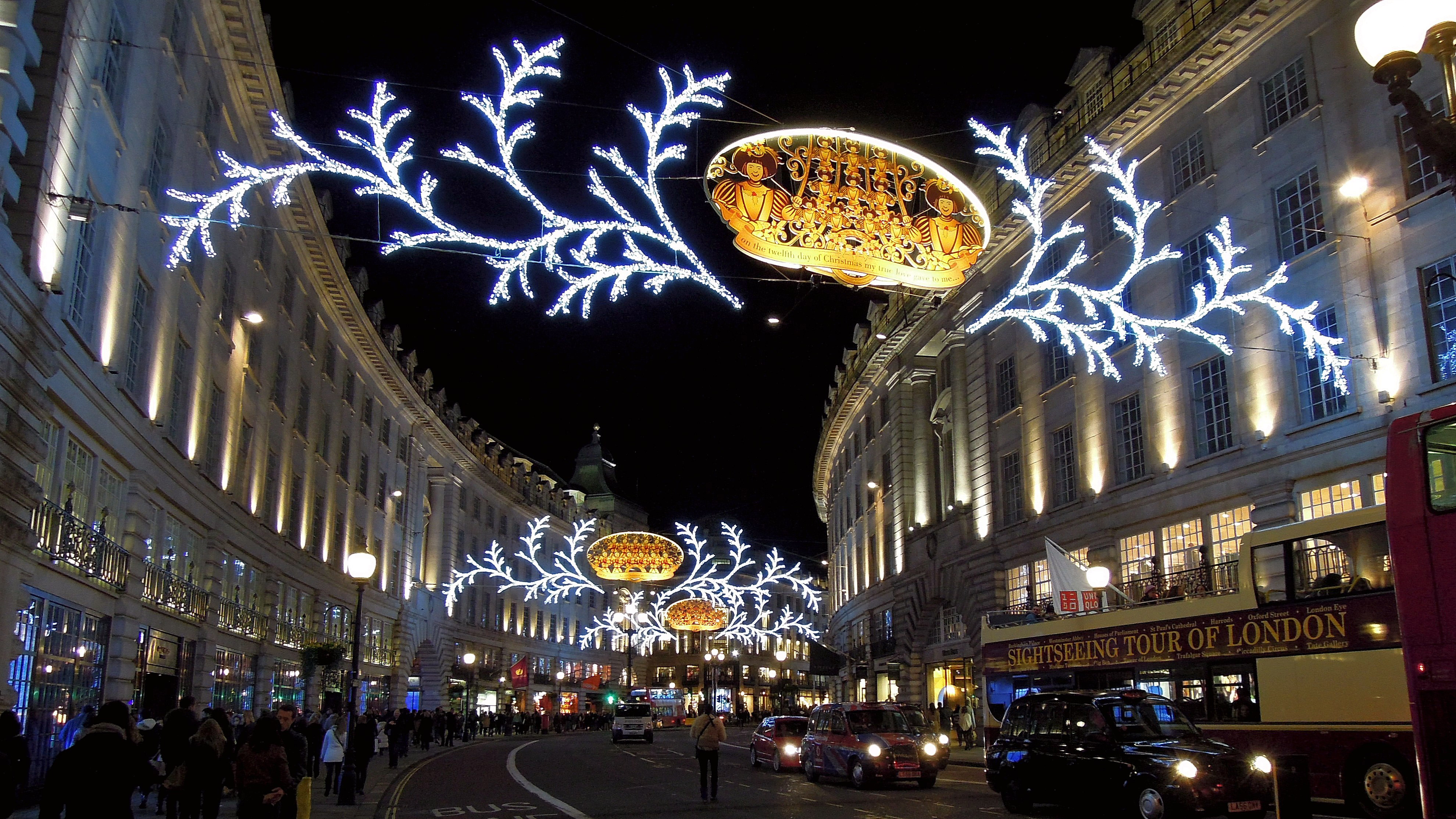 What would Christmas be without lights?